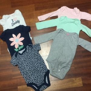 6 girl onesies carters/just one you